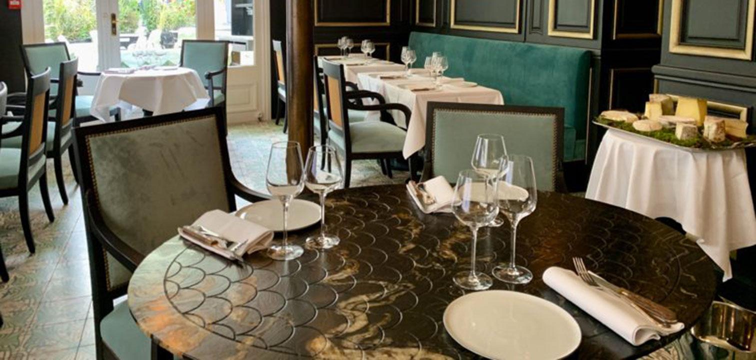ville-anonyme-la-fontaine-gaillon-table-ecaille